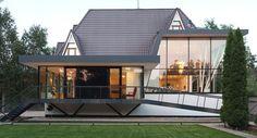 Современный дом с красивым экстерьером и интерьером