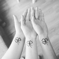 ▷ + Ideas about tattoo designs for sisters – Tattoo World Small Rib Tattoos, Small Sister Tattoos, Small Tattoo Placement, Small Shoulder Tattoos, Small Couple Tattoos, Small Tattoos With Meaning, Small Tattoos For Guys, Tattoos For Daughters, Mom Tattoos