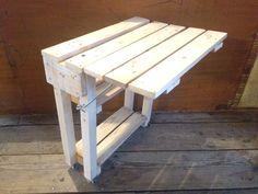Table pliante en bois de palette pour petit balcon parisien #atelierderene #larecyclerie #wood #diy  #upcycling #pallet #woodworking