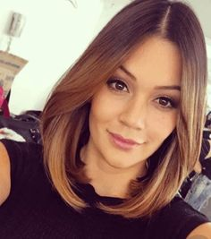Best Hairstyles for Shoulder Length Hair in 2019 Shoulder length hair is the ideal haircut for women who have a lot to do so they don't have time to take care of their hair. Hairstyles for shoulder length hair are easy to manage and stylish… Medium Hair Cuts, Medium Hair Styles, Short Hair Styles, Cute Shoulder Length Haircuts, Brown Blonde Hair, Pinterest Hair, Gorgeous Hair, Balayage Hair, Hair Looks