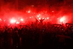 Benfica Supporters celebrating championship in Lisbon 2015 Jungian Archetypes, Twitter Cover, Football Fans, Writing Inspiration, Aesthetic Wallpapers, The Magicians, Fireworks, Concert, 36