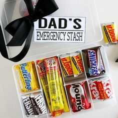 Father's Day is right around the corner so we thought it would only be right t… Advertisements Father's Day is right around the corner so we thought it would only be right to make them a Dad's Emergency Stash. Father Birthday Gifts, Dad Birthday, Gifts For Father, Gifts For Family, Trending Christmas Gifts, Christmas Gift For Dad, New Fathers, Fathers Day Crafts, Kit Kat Bars
