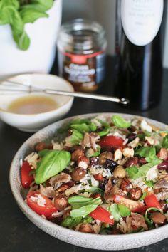 Rijst salade met feta en honing-dressing - Beaufood Nasi Goreng, Feta, Curry, Rind, Kung Pao Chicken, Chutney, Cobb Salad, Veggies, Low Carb