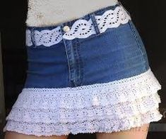 DIY Crochet layered Skirt from Old Jean Free Pattern: Cut old jeans from bottom and add crochet lace trim and matching belt Crochet Skirts, Diy Crochet, Crochet Clothes, Shorts Diy, Jean Diy, Lace Trim Skirts, Lace Skirt, Jupe Short, Jeans Rock