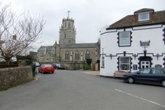 Colyton Gerrard Arms & church - photographer: Robert Bovington  http://bovingtonbitsandblogs.blogspot.com.es/ #England #Devon