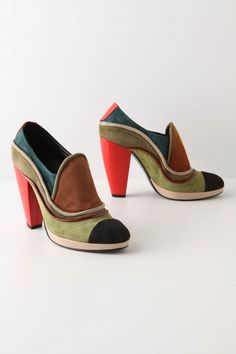 contrast heel with color-blocked suede and patent leather - by KronKron