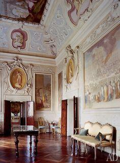Interior of Villa Cornaro, architect Andrea Palladio , Italy Interior Design History, Italian Interior Design, Classic Interior, Antique Interior, Andrea Palladio, Italian Villa, Italian Style, Classical Architecture, Interior Architecture