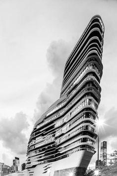 Outside vision, Innovation Tower in Hong Kong Polytechnic University. Photography © Edmon Leong.