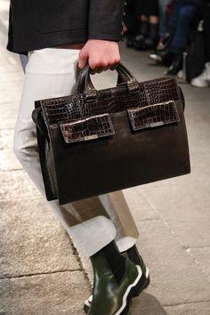 Bottega Veneta Fall 2017 Ready-to-Wear Accessories Photos - Vogue
