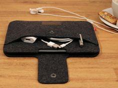 Pack & Smooch iPad mini sleeve