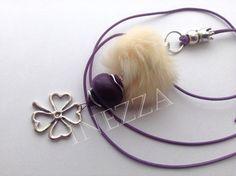 Lange Kleeblatt Kette Fellperle Lederband lila von INEZZA  -  Geschenkestübchen auf DaWanda.com