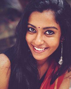 South Indian Actress, Beautiful Indian Actress, Dusky Skin, Beauty Full Girl, Black Beauty, Power Girl, Indian Beauty Saree, Beautiful Saree, Beautiful People