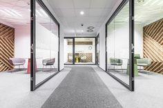 Wnętrza biurowe Call-Center. Autorzy: Metaforma Architekci