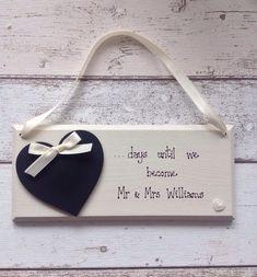 Wedding Countdown Blackboard Heart Plaque For Bride & Groom Wedding Countdown, Personalized Wedding Gifts, Bride Groom, Rustic Weddings, Plaque, Day, Signs, Decor, Dekoration