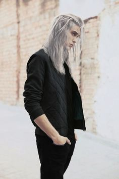 Image shared by 𝑴𝒐𝒍𝒍𝒂 ♡. Find images and videos about model, silver hair and guy long hair on We Heart It - the app to get lost in what you love. Poses, Beautiful Men, Beautiful People, Guy Drawing, Drawing Hair, Drawing Ideas, Drawing Faces, Drawing People, Drawing Tips