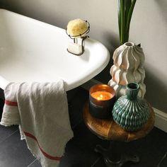 A Modern Victorian Home Tour - Estelle Derouet - The Interior Editor Modern Victorian Decor, Victorian Bedroom, Victorian House, Modern Decor, Brighten Room, Rustic Chic Decor, Modern Master Bedroom, Layout, Modern Masters