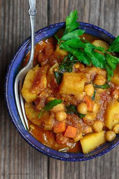 Lower Excess Fat Rooster Recipes That Basically Prime All-Star Vegetable Tagine Recipe Simple Vegetable Stew Packed With The Perfect Balance Of Moroccan Flavors. Veggie lover And Gluten Free. Moroccan Vegetable Tagine Recipe, Moroccan Tagine Recipes, Moroccan Vegetables, Moroccan Dishes, Moroccan Food Recipes, Vegan Dinner Recipes, Vegan Dinners, Vegetarian Recipes, Cooking Recipes