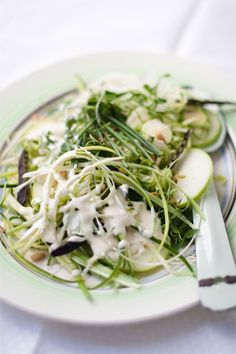 This raw green slaw has has a tasty sweet tang of the apples that goes beautifully with all the raw vegetables. Braai Salads, South African Recipes, Ethnic Recipes, Raw Vegetables, Veggies, Slaw Recipes, Greens Recipe, Fresh Green, Light Recipes