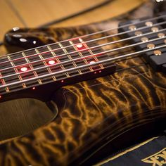 Framus & Warwick   Streamer $$ 5 AAA Quilted Maple / Swamp Ash Antique Tobacco Transparent HP Front & Side Red LEDs