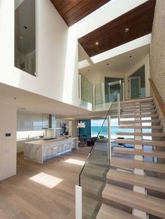 Malibu frontbeach villa with generous 270 views