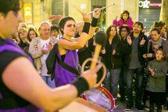 """""""Barandales"""" actuación de Tutatis en Fira Mediterrània de Manresa. #streettheatre Más información en http://www.tutatis.es/detalle.asp?id=74"""