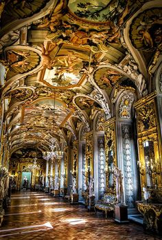 Beautiful Places...Palazzo Colonna, Rome, Italy, photo by Wael Onsy.