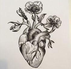 Desenhos. Anatomical Heart Drawing, Anatomical Heart Tattoos, Human Heart Drawing, Heart With Flowers Tattoo, Tree Heart Tattoo, Human Heart Tattoo, Heart Tree, Vintage Tattoo Sleeve, Vintage Tattoos