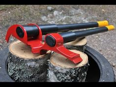 A New Type of Axe Shows Us an Easier and Smarter Way to Chop Wood | HIGH T3CH