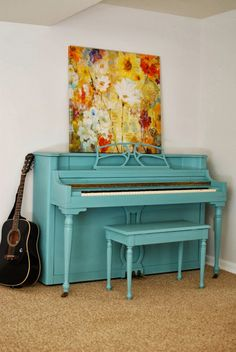 Love this turquoise piano