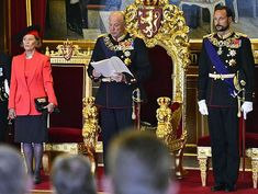 King Harald opened the 160th session of Norwegian parliament yesterday with a speech from the throne. He was accompanied by Crown Prince Haakon and Queen Sonja, who stuck to her usual uniform of bl...