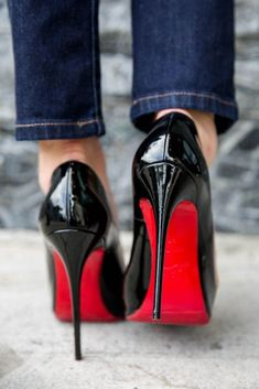 Rockin' the Red Sole Pumps, High Heels Stilettos, Black Heels, Nylons Heels, Hot Heels, Christian Louboutin Red Bottoms, Louis Vuitton Heels, Red Bottom Heels, Mode Shoes
