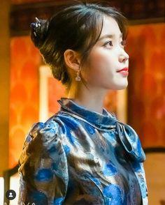 Luna Fashion, Kpop Fashion, Korean Fashion, Girl Photo Poses, Girl Photos, Korean Celebrities, Celebs, Korean Girl, Asian Girl