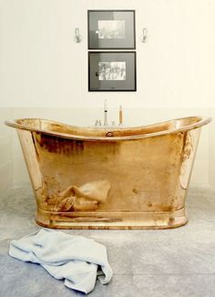 100 Beautiful Bathrooms With A Copper Tub - Style Estate - Decoration Inspiration, Bathroom Inspiration, Decor Ideas, Diy Ideas, Home Design, Design Ideas, Design Trends, Copper Tub, Copper Bathroom