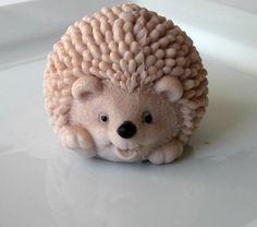 Hedgehog Honeysuckle Soap on Luulla