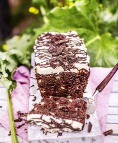 Raparperi-suklaakakku | Maku Something Sweet, Let Them Eat Cake, Sweet Tooth, Food And Drink, Sweets, Baking, Ethnic Recipes, Desserts, Drinks
