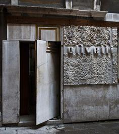 Visions of an Industrial Age // carlo scarpa - olivetti -1958 - Venezia.  gregorio carletti.