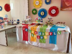 Cumple pocoyo 3rd Birthday, Happy Birthday, Reveal Parties, Ideas Para, Party Themes, Balloons, Projects To Try, Birthdays, Gift Wrapping