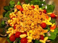 Ensalada Popeye: espinacas, albahaca, tomates cherry, alubias blancas...