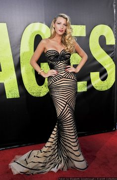 I am more than obsesseddddddddd with this dress. She has the best red carpet style!