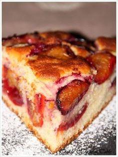 Plum cake - Everyone at the table! - - Plum cake - Everyone at the table! Rum Fruit Cake, Chocolate Fruit Cake, Fresh Fruit Cake, Pear Recipes, Cake Recipes, Fruit Cake Design, Easy Cake Decorating, Plum Cake, Fruit Birthday Cake