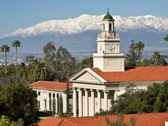 Another view of the Memorial Chapel. To the left is the School of Music's Watchorn Hall. University Of Redlands, Redlands California, San Bernardino Mountains, California Dreamin', Victorian Homes, Nice View, City, Places, Travel