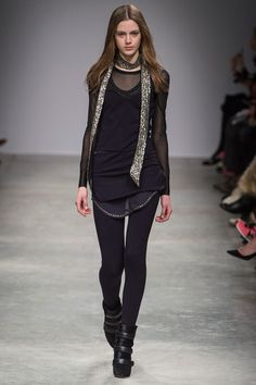 Isabel Marant Fall 2013 Ready-to-Wear Collection Slideshow on Style.com