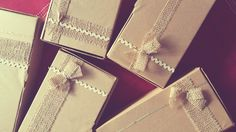 Cutie, cutiuta cine e cea mai frumoasa din tara? Noi, cei de la Chocolicious, pregatim si decoram manual fiecare cutie cu #ciocolata in parte.  🍫  🍫  🍫  #chocoliciousbox #traimcuciocolata