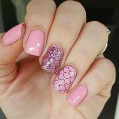 Nails 50 Gorgeous Summer Nail Designs You Need To Try Pink mermaid nails! Nails 50 Gorgeous Summer Nail Designs You Need To Try Nail Art Designs, Short Nail Designs, Nails Design, Beach Nail Designs, Salon Design, Cute Nails, Pretty Nails, My Nails, Nails Inc