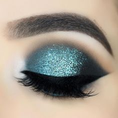 Check out my previous post for the tutorial 🐬 – Use Beautiful Eye Makeup, Beautiful Eyes, 1million Dance Studio, Eyebrow Pencil, Makeup Inspiration, Makeup Ideas, Hair Makeup, Eyeshadow Makeup, Eyebrows