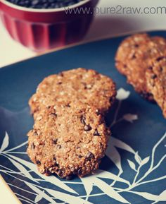 almond flour - coconut flour cookies :D totally the type of recipe for cookies i've been looking for <3