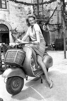 Angie DICKINSON et la vespa !!!!! Sports & Outdoors - running gadgets womens - http://amzn.to/2m46th0