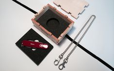DEROBERHAMMER - Gift box Personalized Items, Box, Gifts, Wrapping Gifts, Packaging, Snare Drum, Presents, Favors, Gift