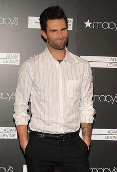 """Adam Levine """"Pewww, who farted?"""""""
