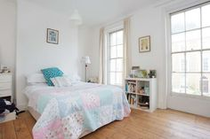 2 bed flat recently sold in Islington, New North Road: £699,995 #chic #bedroom #white